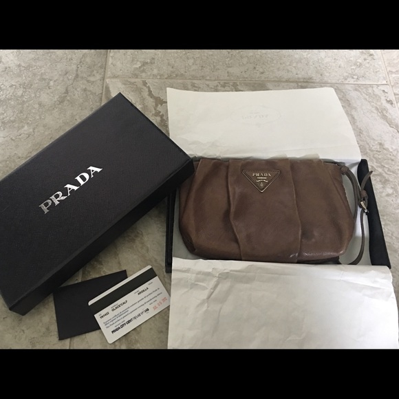 4bd907427201 Authentic Prada Wristlet/ Clutch. M_5bddf9521b3294d777bf4d68